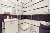 Modern bathroom with  shower cubicle — Stock Photo