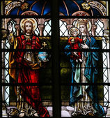 Jesus and Mother Mary - Stained Glass in Mechelen Cathedral — Stock Photo