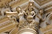 Statues at the Santa Croce baroque church in Lecce — Stock Photo
