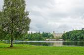 Picturesque landscape with the Great Palace at a lake in Gatchin — Stock Photo