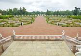 Garden in front of Palace in Oranienbaum — Stock Photo