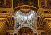 Saint Isaac's Cathedral, Saint Petersburg, Russia. Interior, view to the central dome — Stock fotografie