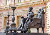 Monument to the Russian emperor Paul the First next to Mikhailovsky Palace, Saint-petersburg, Russia — Stock Photo