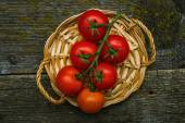 Bunch of fresh tomatoes — Stock Photo