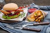 Crispy nugget Burger — 图库照片