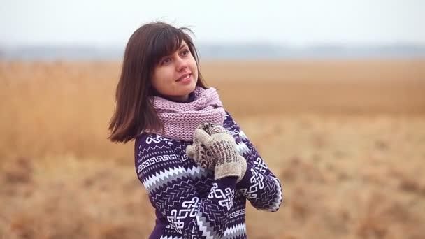 девушка природа видео