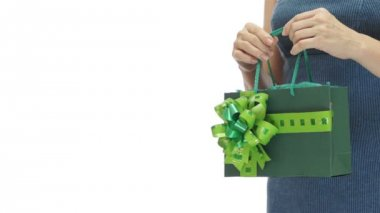 Woman Green Gift Bag Copyspace — ストックビデオ