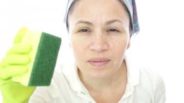 Woman Housework Scrub Camera — Stock Video