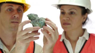 Miners Inspecting Copper Carbonate Ore — Stock Video