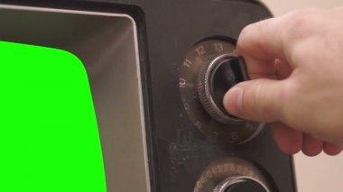 Retro TV Tuning Dial Turning Greenscreen — Stockvideo
