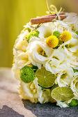 Wedding bouquet from beige roses, cinnamon, a lemon, a lime — ストック写真