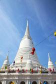 White Pagoda at Wat Prayurawongsawas Worawiharn in Bangkok — Stock Photo
