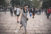 Eccentric and fashionable people during Milan fashion week 2014 — Stok fotoğraf