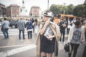Eccentric and fashionable people during Milan fashion week 2014 — Foto de Stock