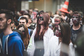 Zombies parade held in Milan october 25, 2014 — Stock Photo