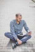 Modern man using tablet — Foto de Stock