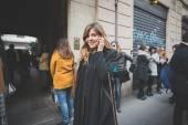 Pessoas durante a semana de moda de Milão — Fotografia Stock