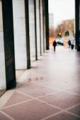 Blurred city and people urban scene — Stock Photo