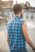 Gut aussehend Hipster bärtigen Mann — Stockfoto