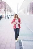 Ragazza hipster in città — Foto Stock
