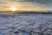 Winter landscape with a view of the hilly to mountainous with fr — Foto Stock