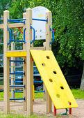 Plac zabaw w mieście — Zdjęcie stockowe