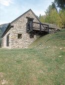 Stone house in the mountain, Italy — Stock Photo