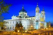Almudena Cathedral of Madrid, Spain — Stock fotografie
