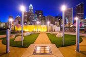 Charlotte North Carolina Park and Skyline — Stock Photo