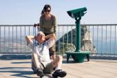 Hilarious senior man tourist on Gibraltar Rock — Stock Photo
