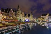 Quay Graslei in Ghent town at evening, Belgium — Foto de Stock
