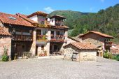 Typique vieux village cantabria, Espagne — Photo
