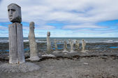 Stonework statues leading into the St. Laurence River — Stock Photo