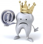 Tooth in crown with email — Stock Photo