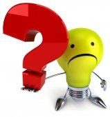 質問と電球 — ストック写真