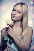 Girl in romantic spring portrait — Stock Photo