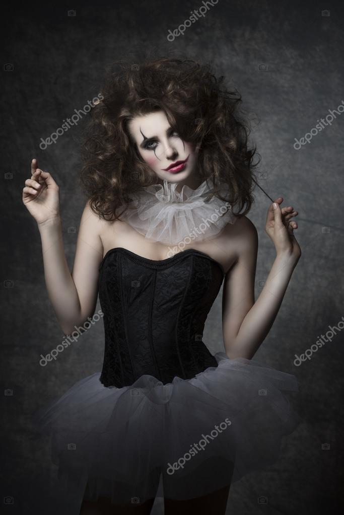 m dchen mit gotischen clown schminken stockfoto. Black Bedroom Furniture Sets. Home Design Ideas