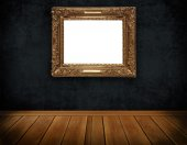 Dark grunge wall and decorative frame. — Foto de Stock