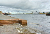 Rise of water in Neva river in St.-Petersburg, Russia — Stock Photo