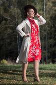 Vrouw in vintage kleding — Stockfoto