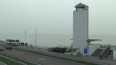 The Afsluitdijk connects the Dutch provinces Friesland and Noord Holland — Stock Video