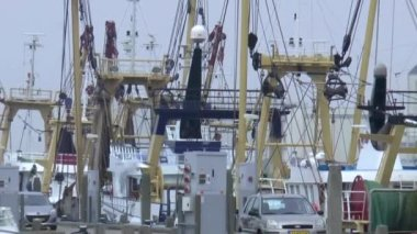 Fishing vessels situated in the fishing port — Stock Video