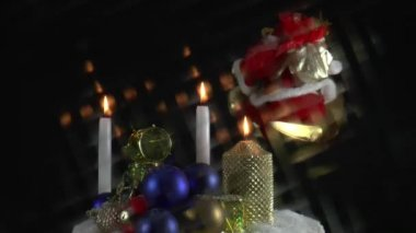 Burning candles and christmas decorations — Stock Video