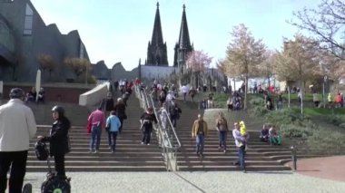 People climbing on stairs in Cathedral of Cologne — Stock video