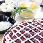 Russian traditional salad herring under fur coat — Stock Photo #68118011
