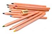 色鉛筆と鉛筆削り — ストック写真