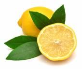 Limones con hojas — Foto de Stock
