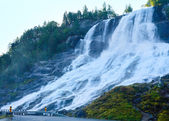 Summer waterfall on mountain slope (Norway). — Foto Stock
