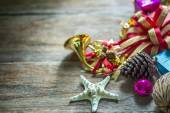 Christmas garland on rustic wooden background with copy space — Foto de Stock