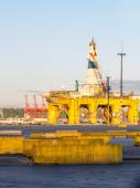 Polar Pioneer Oil Drilling Rig Docked At T-5 — Stock Photo